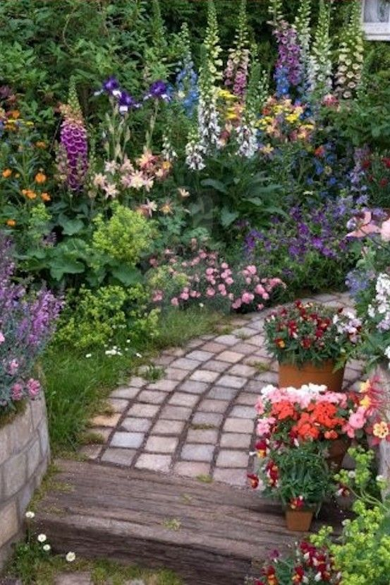 English cottage garden bareo isyss for Small cottage garden designs