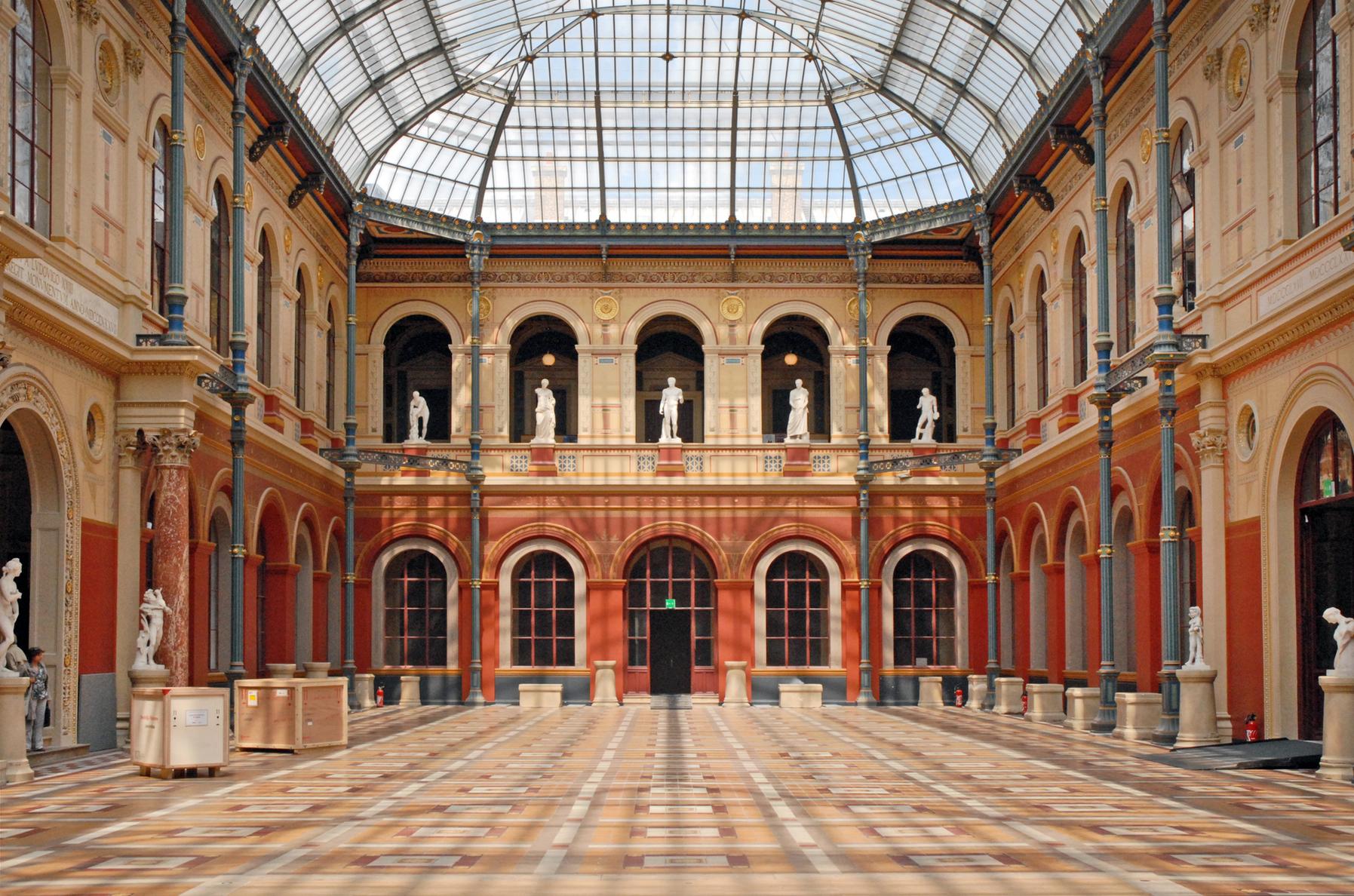 la_cour_du_palais_des_etudes_de_lecole_des_beaux-arts