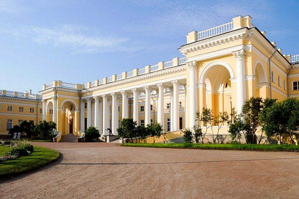 alexander-palace-in-tsarskoye-selo